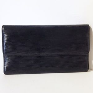 Louis Vuitton black epi leather long Sarah wallet